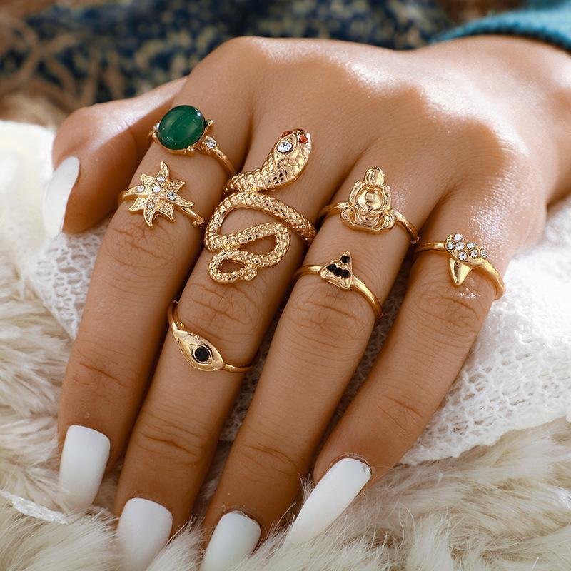7pcs/Set Bohemia Gold Color Rings Sets for Women Jewelry Wedding Retro Disc Crown Ring Carved Gold Snake