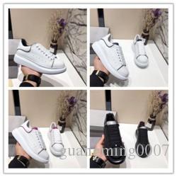 Femmes Hommes Concepteurs lumineux réfléchissant 3M Chaussures Casual Robe Confort Chaussures plateforme Parti Sneaker marche Baskets Chaussures K016
