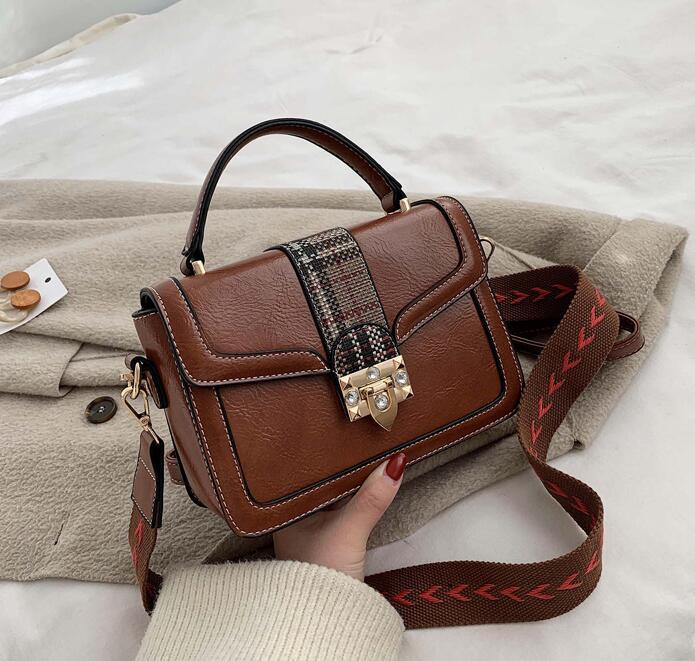 Завод Оптовая продажа женская сумочка новый узор шитья ретро сумочка элегантная атмосфера полоса широкий плечевой ремень мода Алмаз Посланник