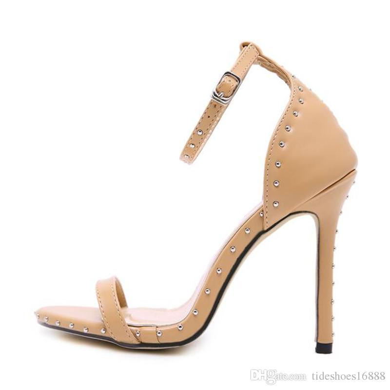 Senhoras Sapatos de Verão Mulheres Rivet Fine High-calcanhar 11 CM Feminino 2019 Moda Sexy Stiletto Sandálias com Modelos de Passarela T-Tai Show Car Show