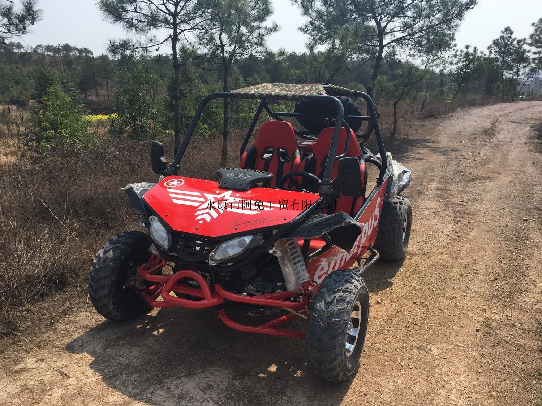 Plage de voiture 200cc quatre-roues cross-country grande moto adulte deux-siège tout-terrain kart utv agriculteur voiture