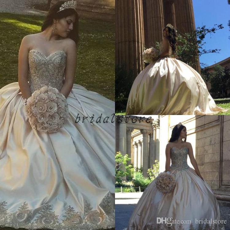 Prenses Işık Şampanya balo gelinlik modelleri Sevgiliye Boyun Çizgisi Üst Dantel Boncuklu Kristal Alt Aplikler quinceanera elbiseler örgün uzun