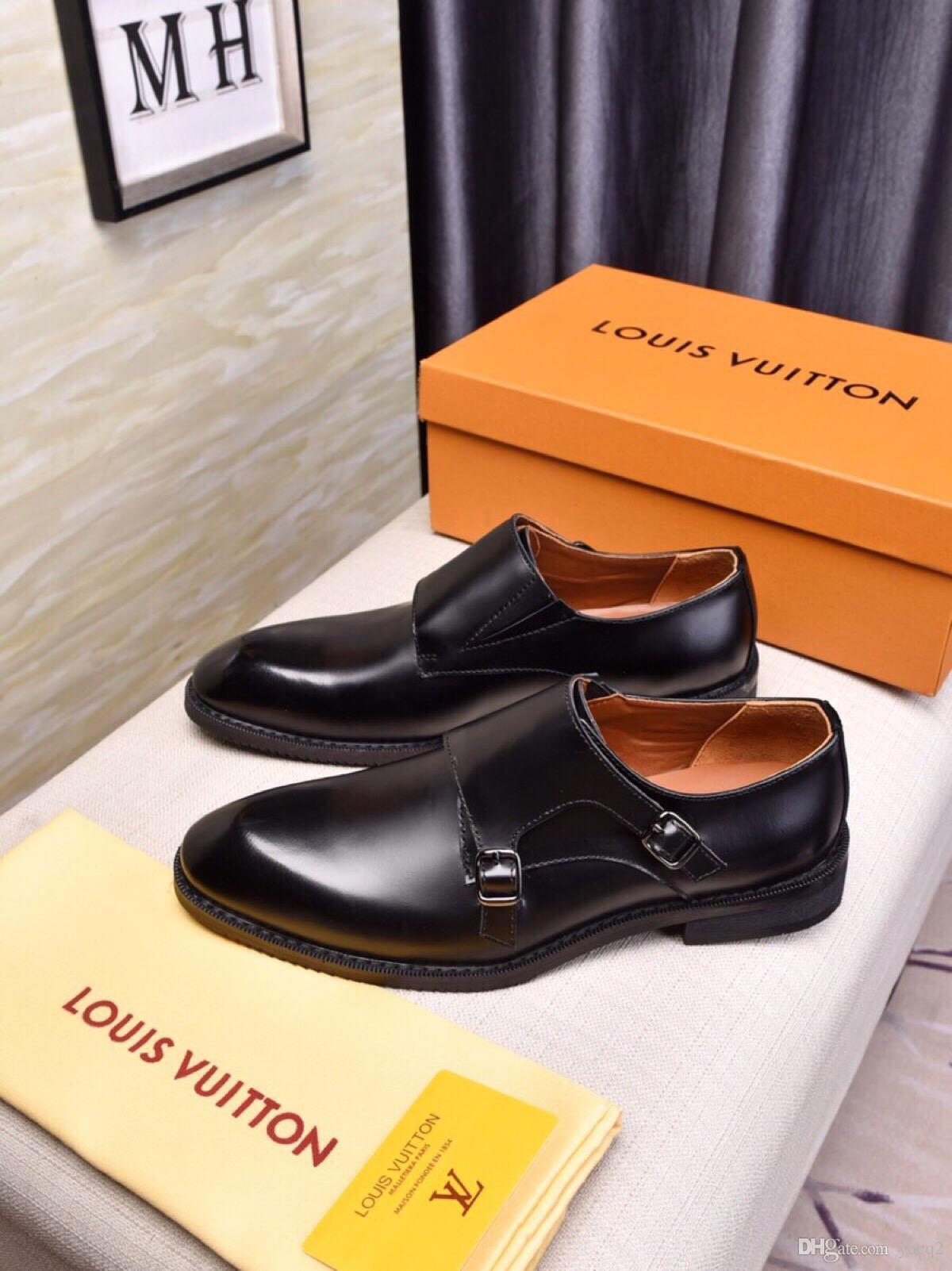 2018 Nueva alta calidad de cuero genuino de los hombres zapatos Brogues con cordones Bullock Business Dress hombres Oxfords zapatos para hombre zapatos formales
