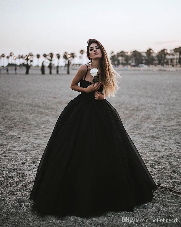 Vestido de fiesta Negro Tulle Gótico Vestidos de boda baratos del país Vestidos de novia 2019 Nuevos vestidos de boda atractivos Nigeria