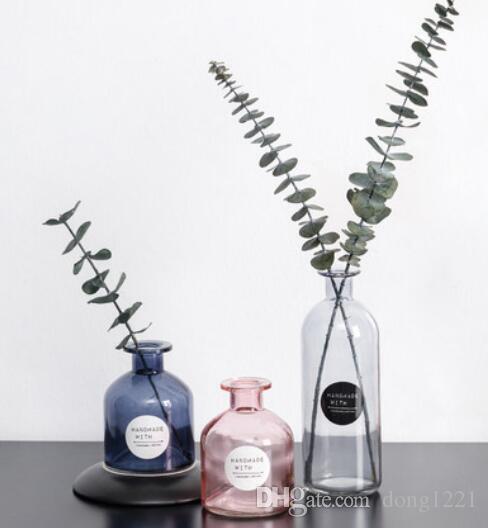 الزجاج الأزرق إناء صغير وردي شفاف اللون مستقيم سطح زهرة ترتيب الحديث أسطواني الأوروبي بسيط