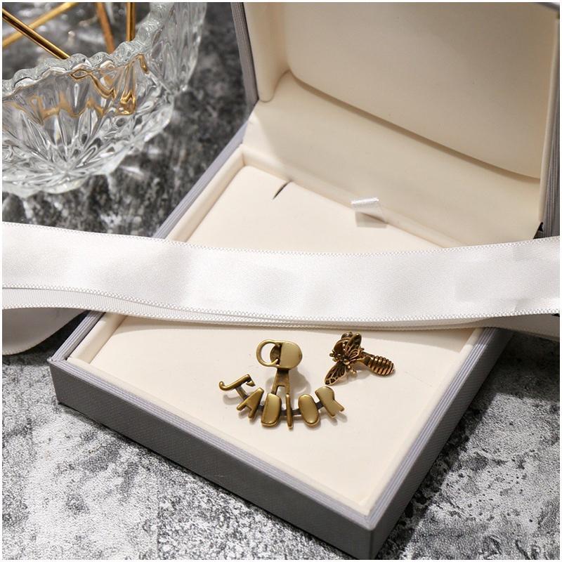 Yeni Kadın Vintage Amour Kalp Saplama Küpe Metal Arılar Küpe Kolye Barok Mektup Küpe Takı Lüks Tasarımcı Takı Bayan Küpe