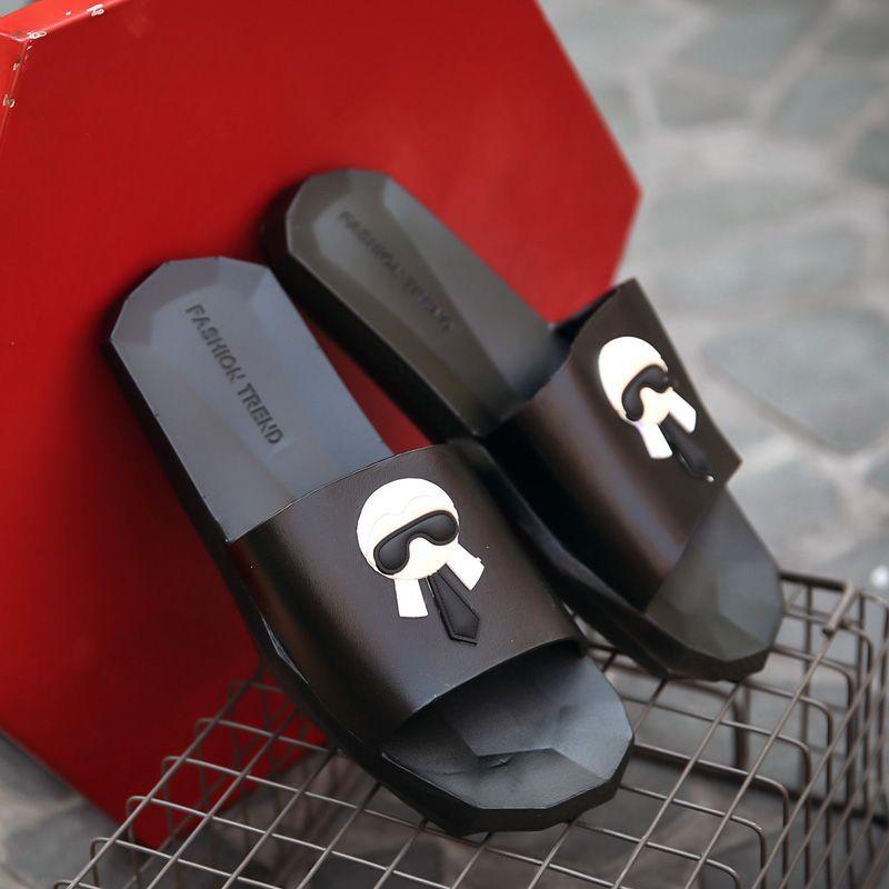 Hot Sale-pantoufles sandales d'été femmes et hommes chaussures de sport impression Galeries Lafayette pantoufles pantoufles Pantoufles garçons et filles