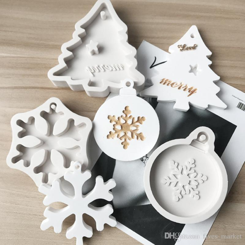 Silicone Bakeware Molds For DIY Snowflake Christmas Tree Hanging Baking Tool Kids Keychain Perfume Car Pendant Cake Decoration XD22798