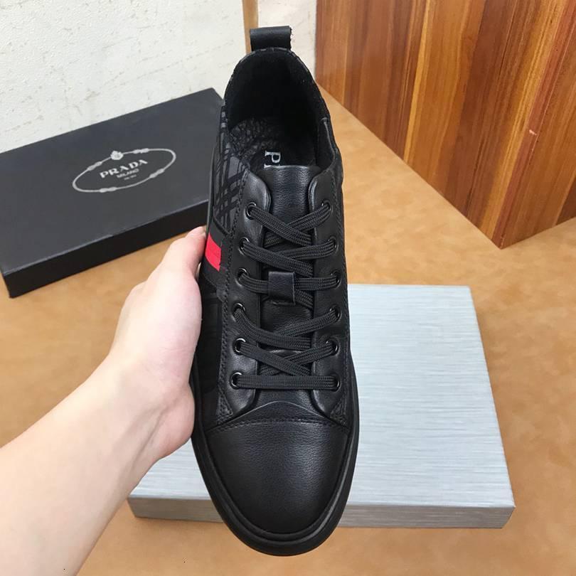 2020 Mens Preto sapatos de moda, casuais e confortáveis planas sneakers 1106