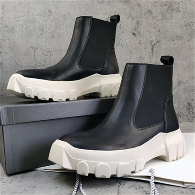 Los hombres de la moda de invierno Ro zapatos Resbalón de los cargadores del invierno suela gruesa de los hombres botas de cuero 18 # 25 / 20D50