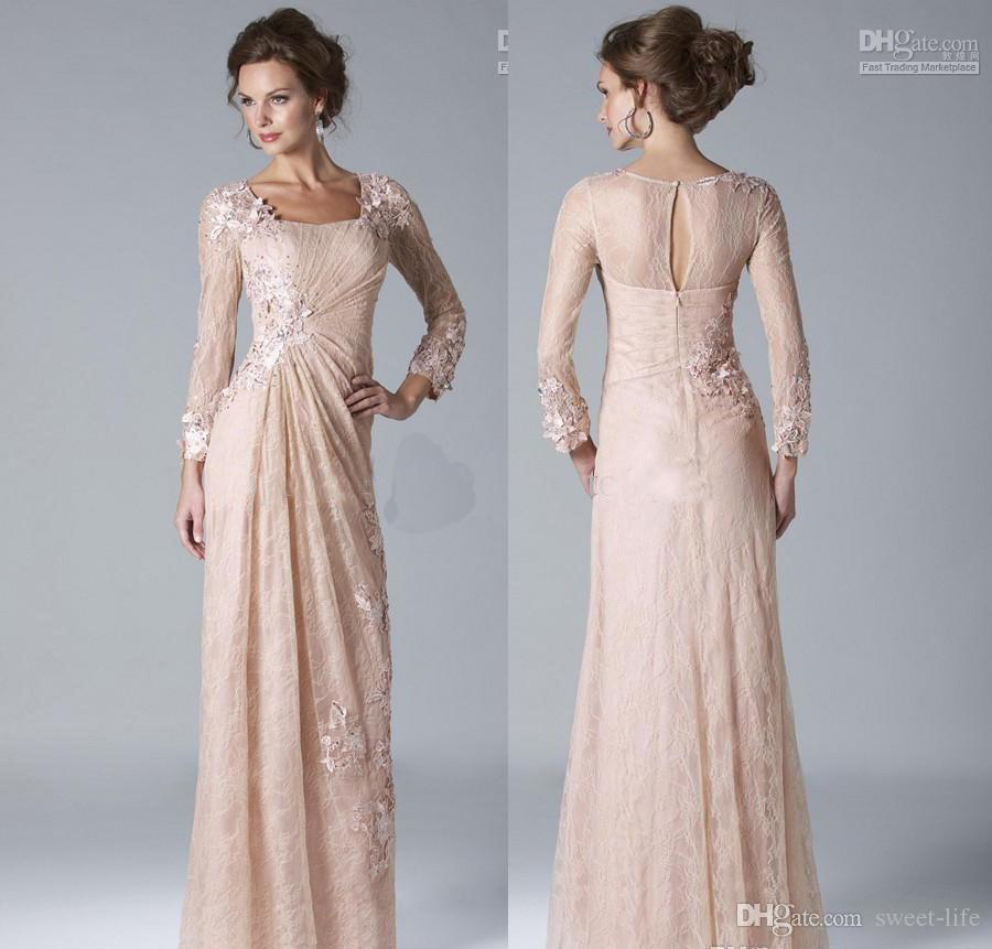 2019 Elegant Mother of the Bride Dresses Hollow Back Formal Gown Evening Dresses with Sheath Lace Appliuqes Long Sleeve Party Gown
