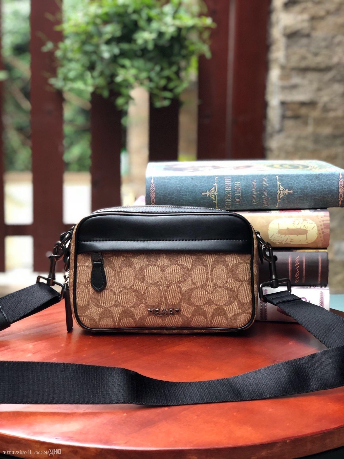 2019 Nueva L1ouisvutt0n M1K Pra1ra bolsos de un solo hombro del bolso de las mujeres S Men S Bolsas Mochila con estilo clásico del bolso bolsos de cuero M50715
