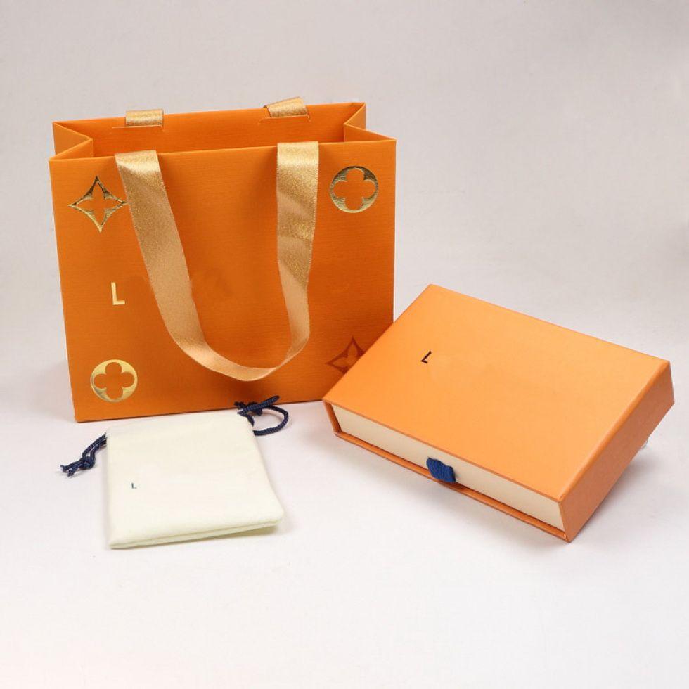 Fashion Jewelry Sets V Brief Halsketten Armbänder Ohrringe Ring Sets Box Staubbeutel-Geschenk-Beutel (Ordne die Speicher Einzelverkäufe, nicht verkauft Einzel