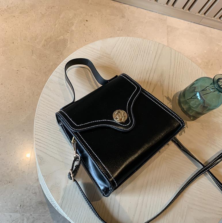 Designer Umhängetasche Luxus Messenger Bag Frauen-Handtasche Frauen Neuer Entwerfer-Schulter-Niet-Kupplungs-Mode-Handtasche Marke Packag