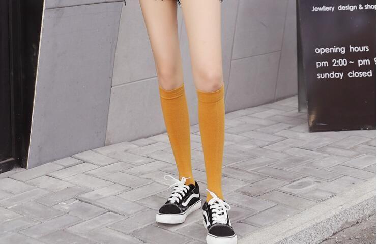 Şık ve rahat bir basınç tüpü çorap düz renk diz boyu ince bacak çorap dana women287 yüksek tüp diz boyu çorap çorap