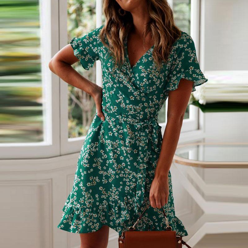 Frauen Kleider Sommer 2019 Sexy V-Ausschnitt Blumendruck Boho Strand-Kleid mit Rüschen kurzer Hülse einer Linie Minikleid-Verpackungs-Sommerkleid Robe