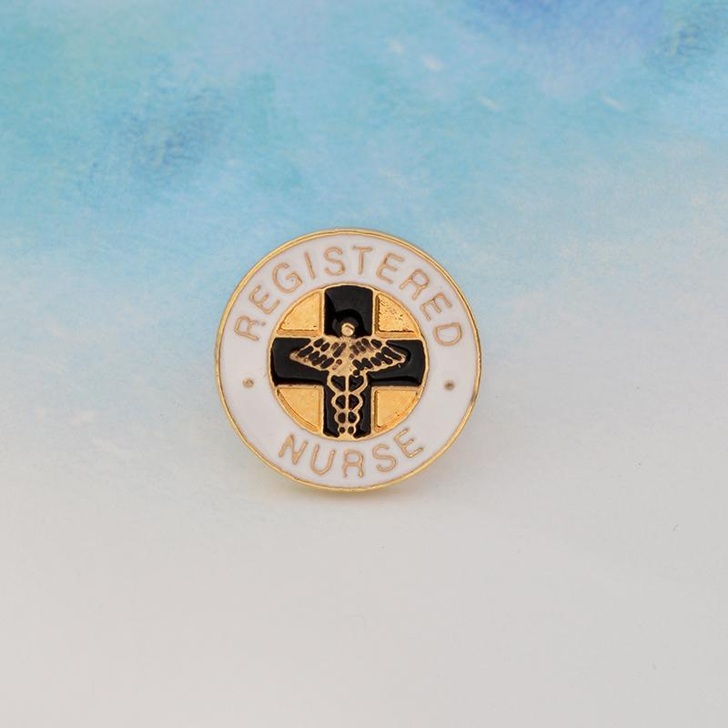 Крест «ЗАРЕГИСТРИРОВАНА МЕДСЕСТРА» Красного Крест спасение Личность Специального Pins Брошь Креативного отворот Denim подарки Знак украшение