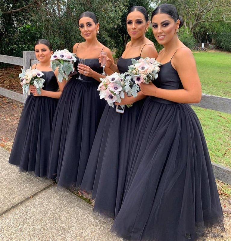 2020 Negro largo vestido de dama Espagueti una línea dama de honor de tul largo de suelo vestidos de novia vestido de fiesta formal de los huéspedes