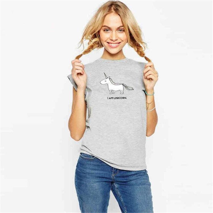 Kadınlar için T-Shirt Yeni Unicorn Hayvan Baskı Üst Yuvarlak Boyun Kısa Kollu Tişört Kadın Harajuku Üst Kadın Artı Boyutu
