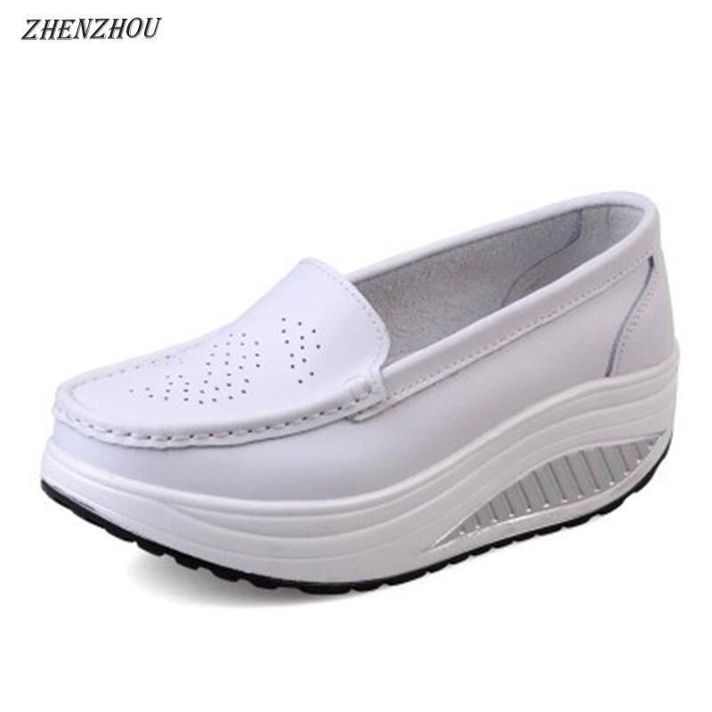 Свободная весна доставки натуральной кожа мягкая подошва рабочая обувь женская черная распашная обувь женщина плюс размер клиньев одной женщины