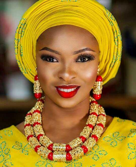 Conjuntos de joyas de coral rojo para las mujeres fantástico rojo y oro regalo de boda nigeriano collar de cuentas de coral conjunto de joyas para novias GA513 C18122701