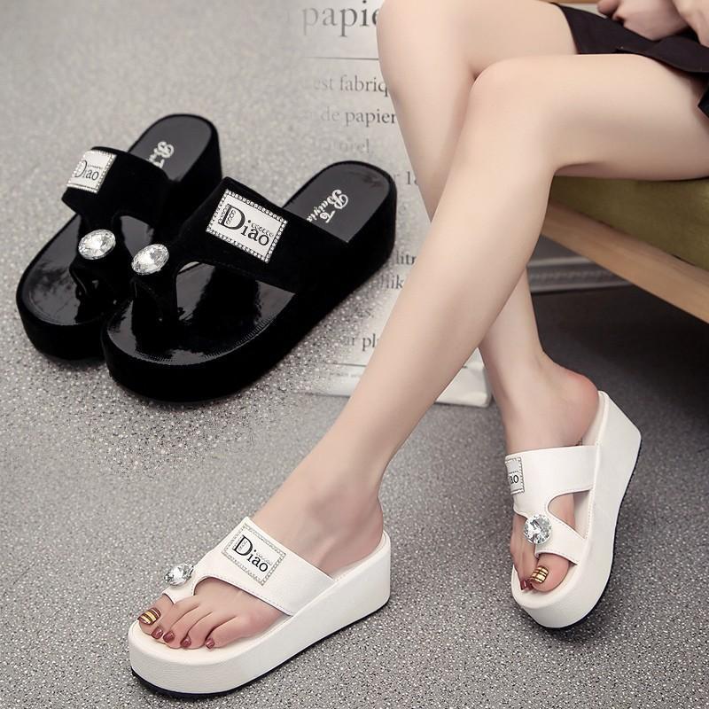 Flip-flops Atacado Mulheres Chinelos Moda Verão Sandals Middle-salto Sapatas da praia Mulheres Anti-derrapante Sandals Estudante