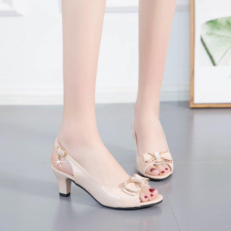 Le donne sexy dei sandali Chunky spessi tacchi alti sandali donne di estate scava fuori Sandali Scarpe a punta Ufficio pigolio donna elegante Sandali