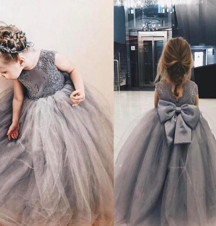 Gri Dantel Prenses Çiçek Kız Elbise Yeni Big Bow Geri Tül Balo Communion Elbise Güzel Uzun Çocuk Yarışması Abiye F078