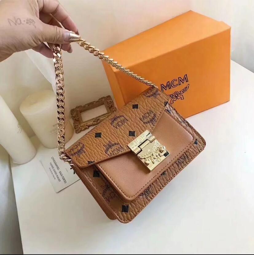 2020 Hot sold Damentaschen Designer Handtaschen Geldbörsen Umhängetaschen Mini-Kette Tasche Designer Umhängetaschen Messenger Tragetasche Clutch Bag B29