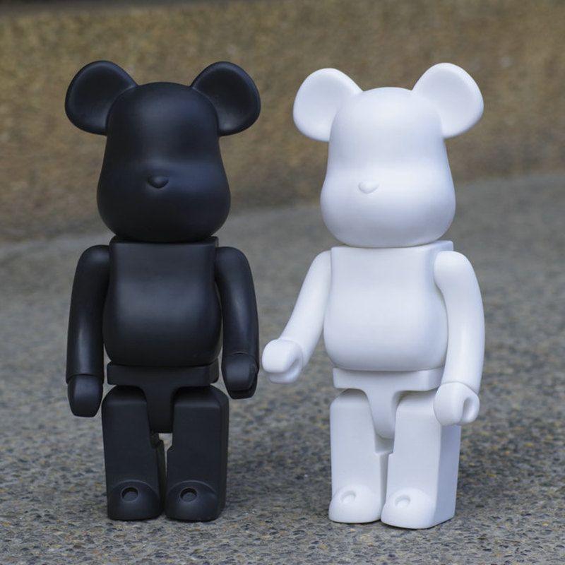 2 الألوان 400٪ Bearbrick الأسود الأبيض العنيف الدب اليدوية ألعاب تركيب سطح المكتب زينة عيد الميلاد هدايا عيد الميلاد HD46