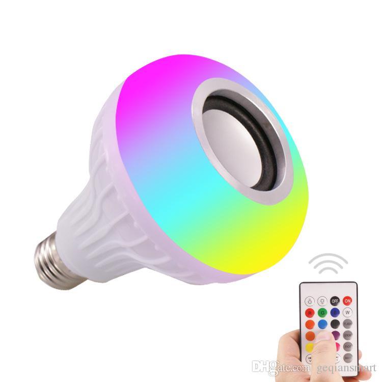 2019 E27 الذكية LED ضوء RGB بلوتوث اللاسلكية سماعات لمبة مصباح موسيقى اللعب عكس الضوء 12W مشغل موسيقى الصوت مع 24 مفاتيح التحكم عن بعد