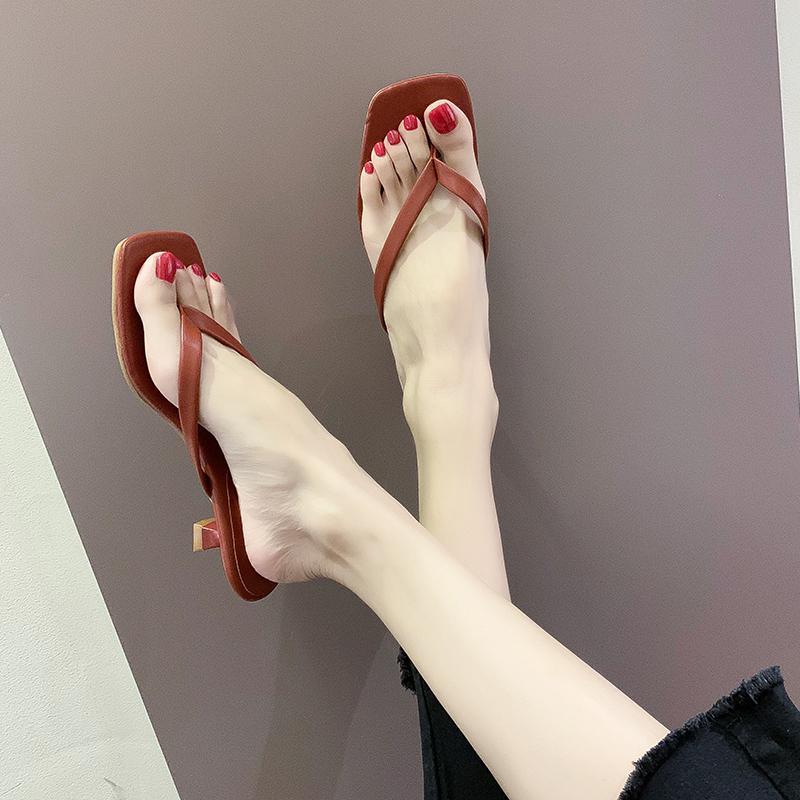 Baja del talón del dedo del pie del clip de pelo de las mujeres de la PU de las chancletas de cuero del verano del dedo del pie cuadrado de los deslizadores de las mujeres de moda delgada del talón sandalias Diapositivas 2020