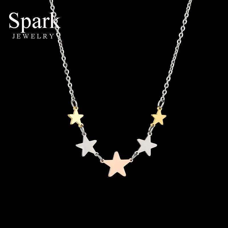 Romantik Minik Yıldız Charm kolye İçin Kadınlar Renkli Paslanmaz Çelik Pentagram kolye Salkım Nişan Hediye Yaka Spark