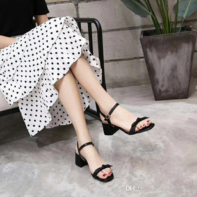 alta qualità! 2020031801818 Nero bianco in vera pelle vitello pelle 5cm chunky tacchi bowknot sandali strappy work