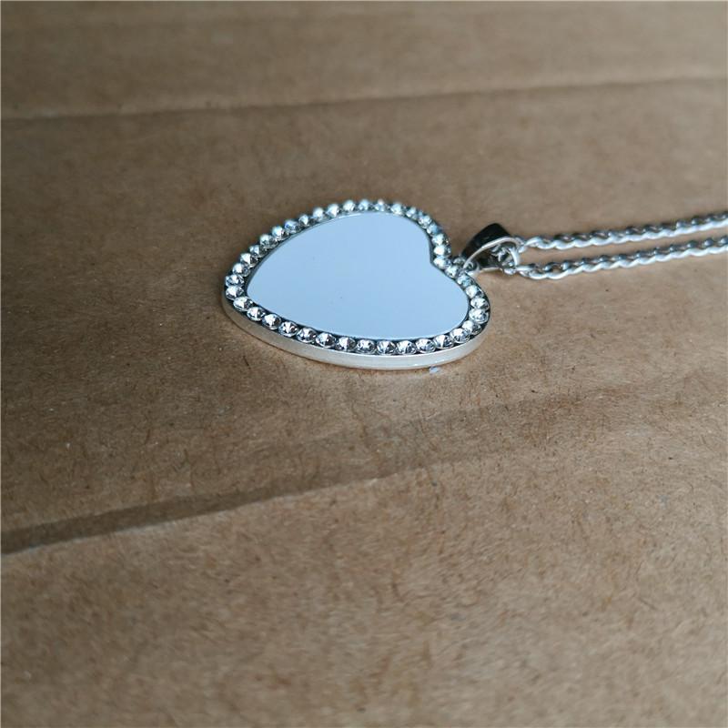 Sublimation leere Herz Halsketten Anhänger Bohrgerät Frauen neue Halskette heißen Tranfer Druck Verbrauchs Neupreis Großhandel
