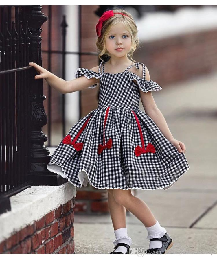 Retail baby girl dresses 2020 flying sleeve cotton plaid dress with bow kids designer clothes girls luxury princess dress boutique dancewear