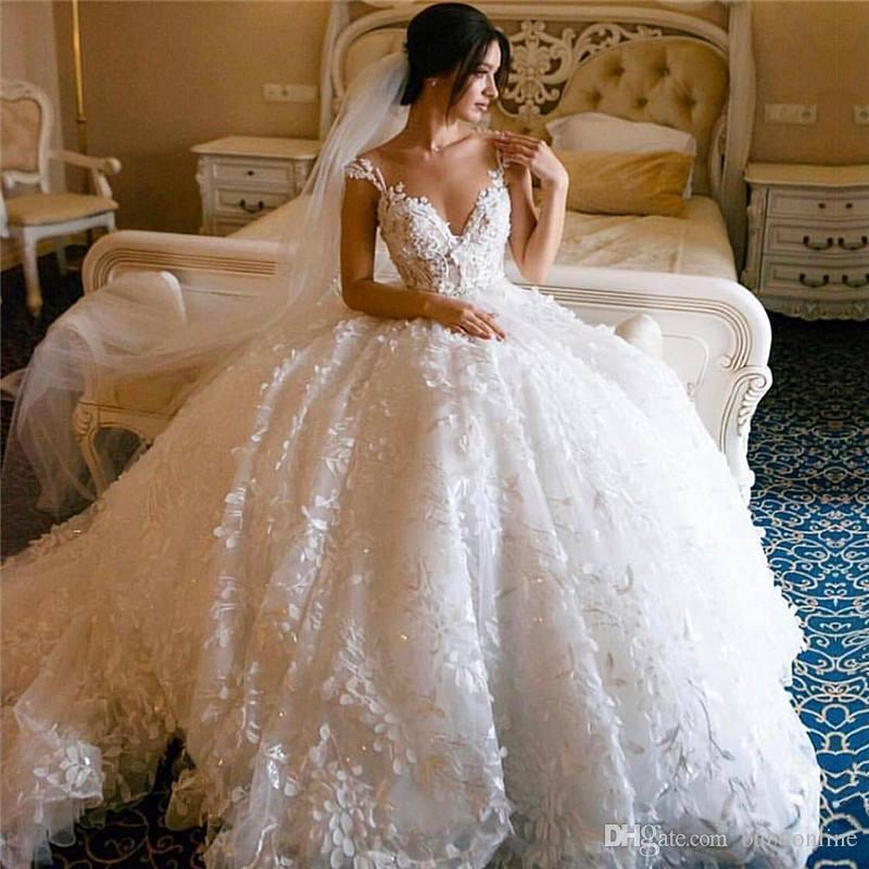 Prinzessin White Flare Appliques Spitze Brautkleider 2020 elegantes Ballkleid off-die-Schulter-Dubai Arabeske Brautkleider mit langem Zug