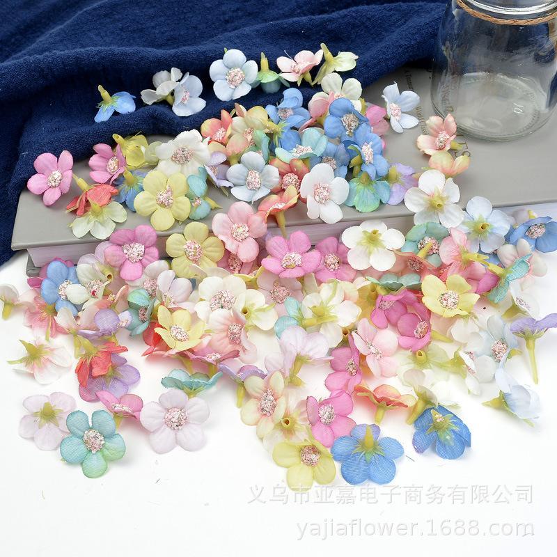 متعدد الألوان 2CM الحرير زهرة الأقحوان رئيس الزفاف ديكور المنزل اكسسوارات الاصطناعي محاكاة اكليلا من الزهور ديزي رئيس