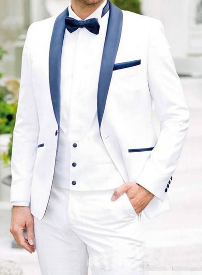 جديد وصول رفقاء الأبيض العريس البدلات الرسمية شال الأزرق الداكن طية صدر السترة الرجال بذلات الزفاف أفضل رجل العريس (سترة + سروال + سترة + ربطة عنق)