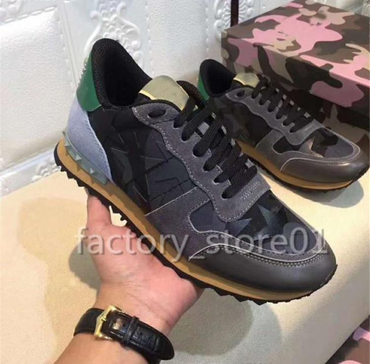 2020 Luxury Designer Camouflage Casual Homme Rivets Chaussures Femme Meilleur Quailty Sneakers Flat Patchwork Spikes Lace Up Party Unisexe Chaussures