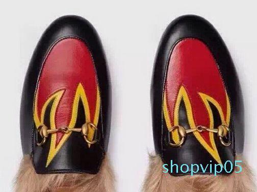 yüksek kalite! u638 40/41/34 hakiki deri tavşan saç slayt Ayakkabılar terlik kürk sneaker dudaklar yangın çiçek emboideried
