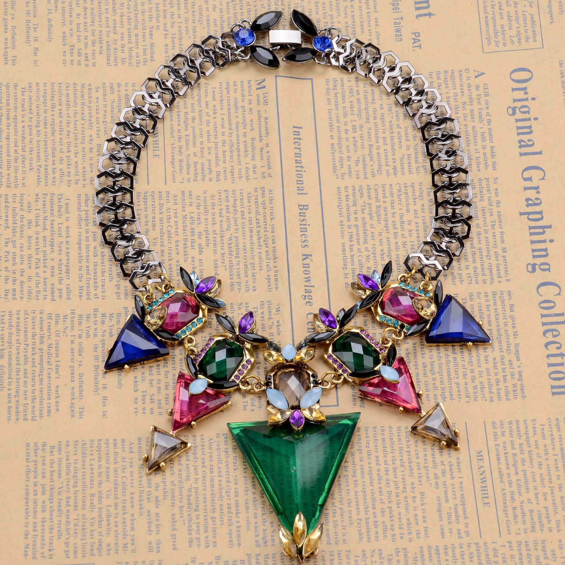 2 pcs/lot Triangle Necklace Ladies Clavicle Chain Luxury Full Diamonds Evening Chain 2020 designer necklace gift for women girl21