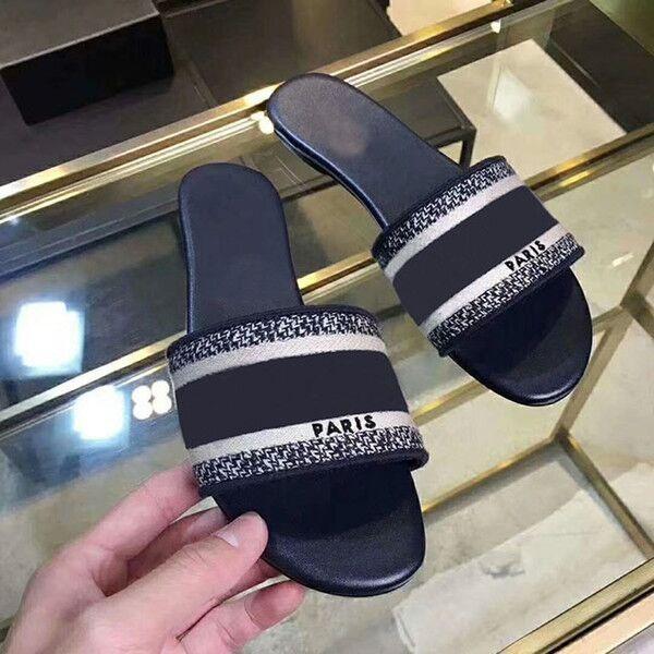 2020 Париж женщины Тапочки Потертость Летних сандалии пляж Slide Тапочки Девушка Вьетнамка Мокасины Красивая вышитая тапочка 35-42