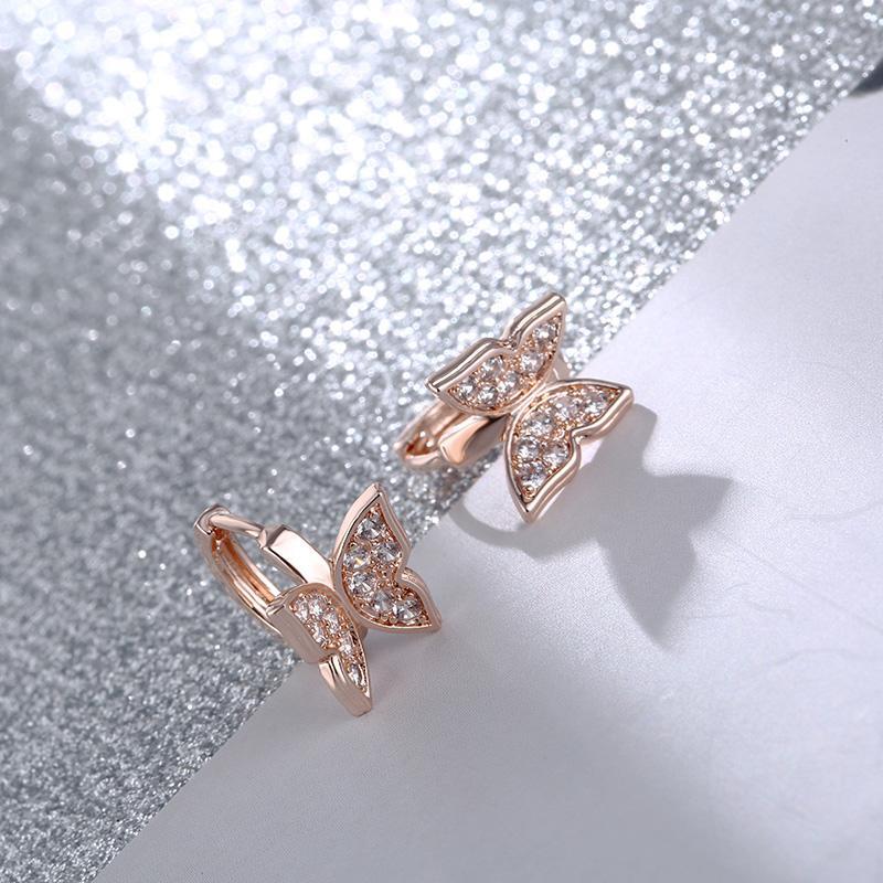 Pendientes del aro de circón cúbico de color CARSINEL estrenar de la mariposa pendientes de cobre del oro de la Mujer de la mariposa ER0537 oído pendiente