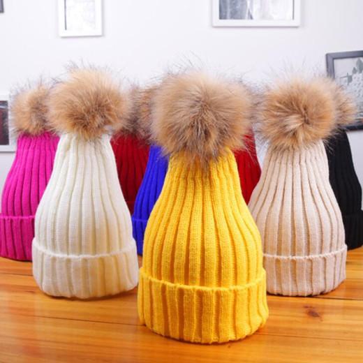 Hiver Femmes Bonnet tricoté Pure Color Lady Big Fur boule de laine Chapeau de sucrerie Couleur hiver chaud épaissie extérieur Caps WY514Q