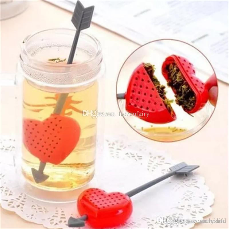 Regalo di giorno del A555 A30 Cuore Amore Bustine di tè Setacci Cucchiaino filtro infusore filtrazione Valentino di plastica per gli amanti bb309-314 2.018.010,913 mila