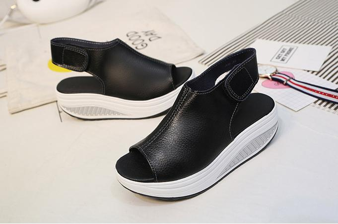 Hot Sale-Sommer-Sandelholz-Frauen schütteln Schuhe Thick Wedges Slope Platform Kopf Leder-Sandelholz-Frauen starke untere Higt Heel-Schuhe. MQSS-013