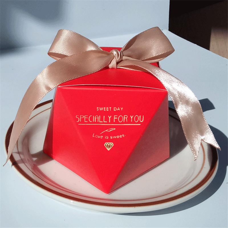 Yeni Mor Elmas Tarzı Düğün Iyilik Parti Malzemeleri Dekorasyon Bebek Duş Mutluluk Hediye Kutusu Kağıt Hediye Çantası Şeker Kutusu