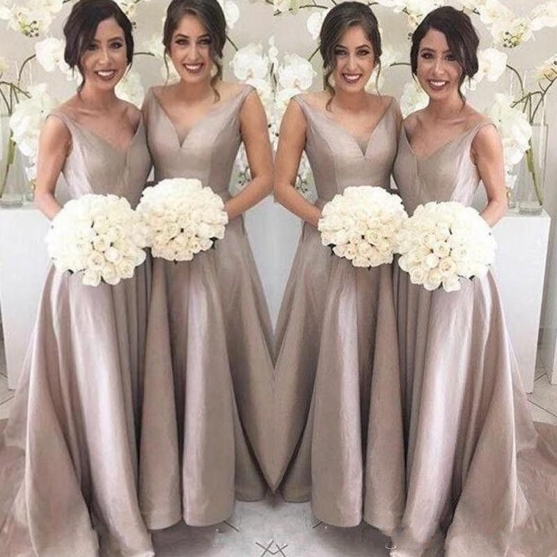 Simple longue robes de demoiselle d'honneur Une ligne manches col en V longueur de plancher de balayage train Garden mariage Party Guest Robes 2020