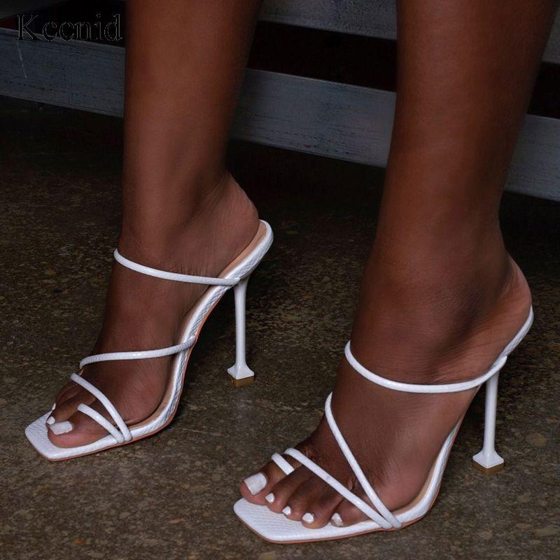 Kcenid Beyaz siyah yılan baskı strappy katır topuklu sandaletler terlik kadınlar yüksek topuklu çevirme kare ayak parmağı slaytlar parti ayakkabı yeni flop